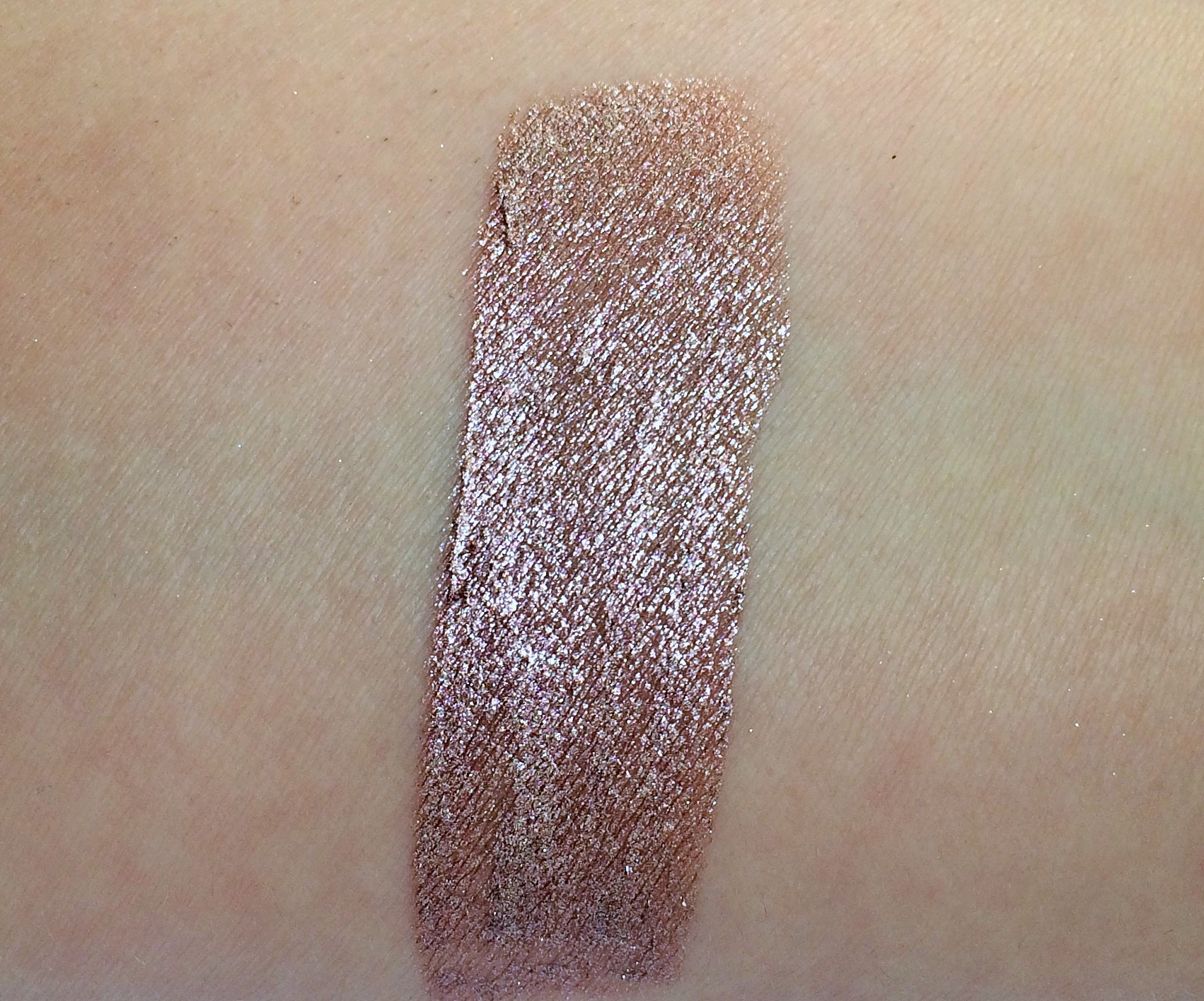 Review Essence Moon Dust, Stars & Stories Metal Shock Eyeshadow (10)