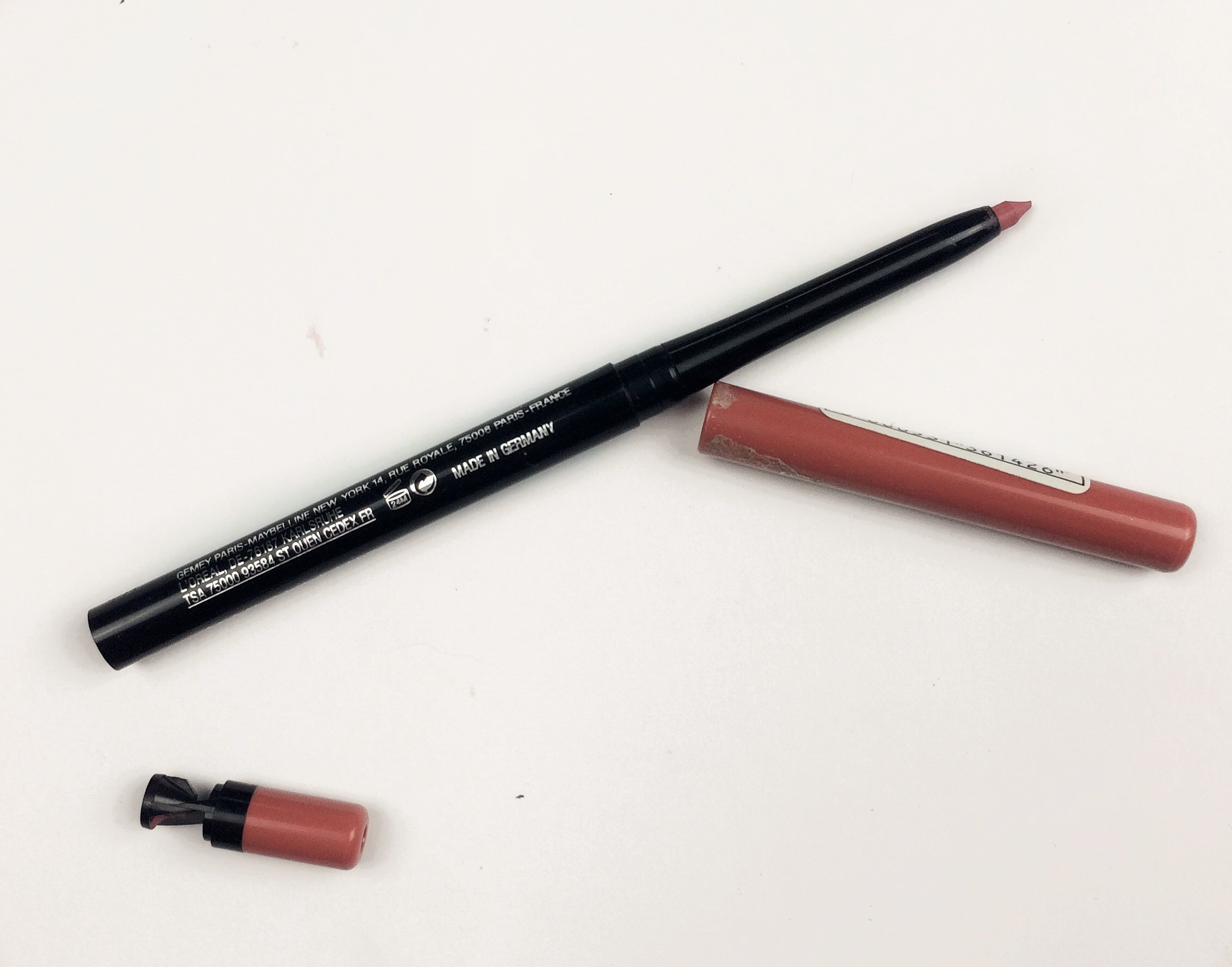 Maybelline Dusty Rose Color Sensational Shaping Lip Liner (1)