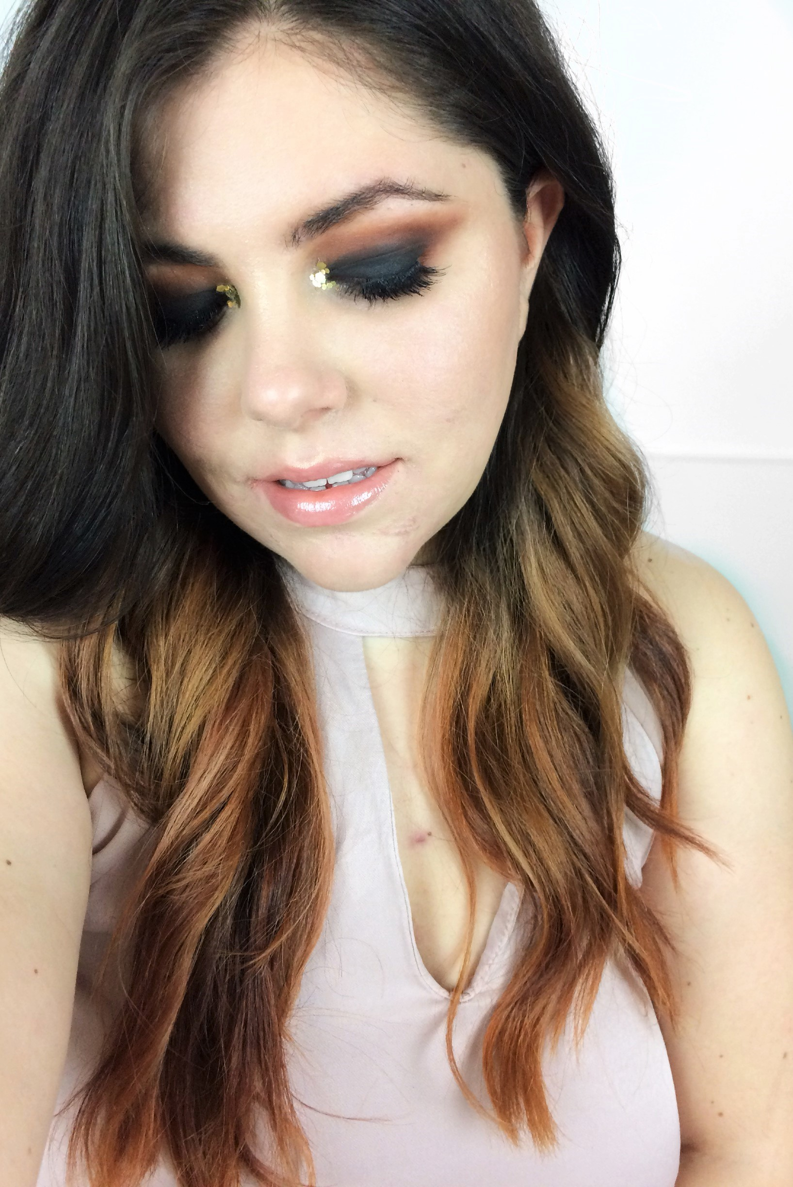 Black Glamour Smokey Eye Makeup (5)