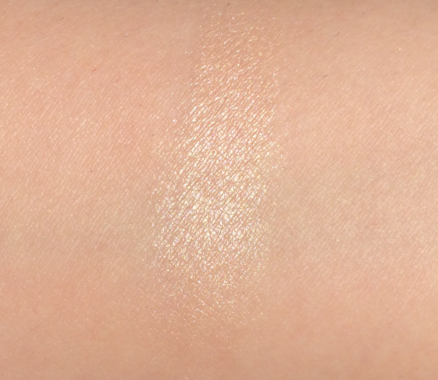 Benefit Dandelion Twinkle Highlighter | Review