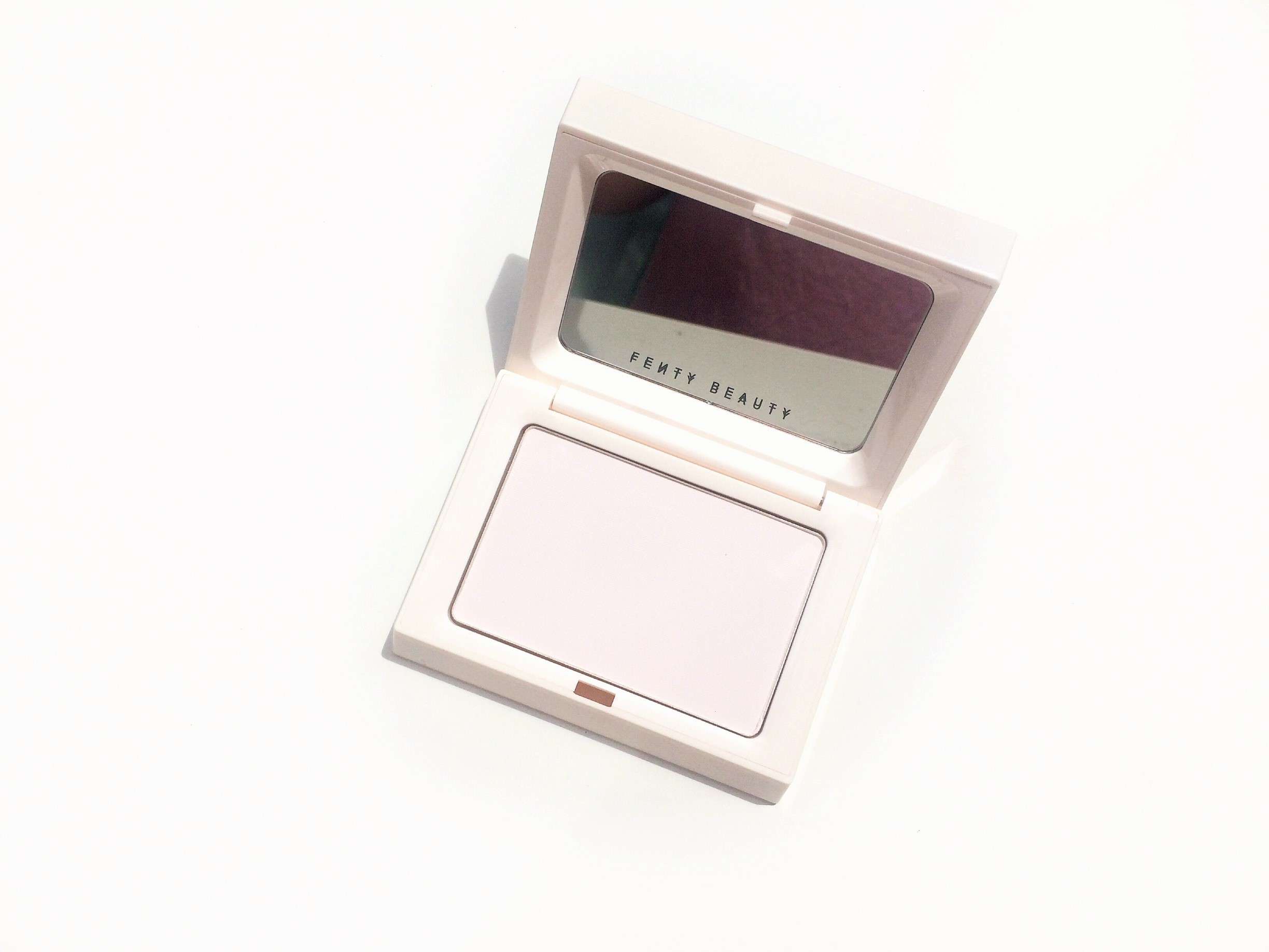 Review Fenty Invisimatte Blotting Powder (6).JPG