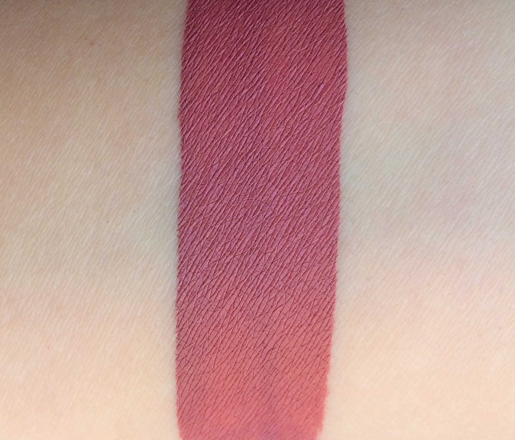 Review Fenty Uncuffed Stunna Lip Paint (8)