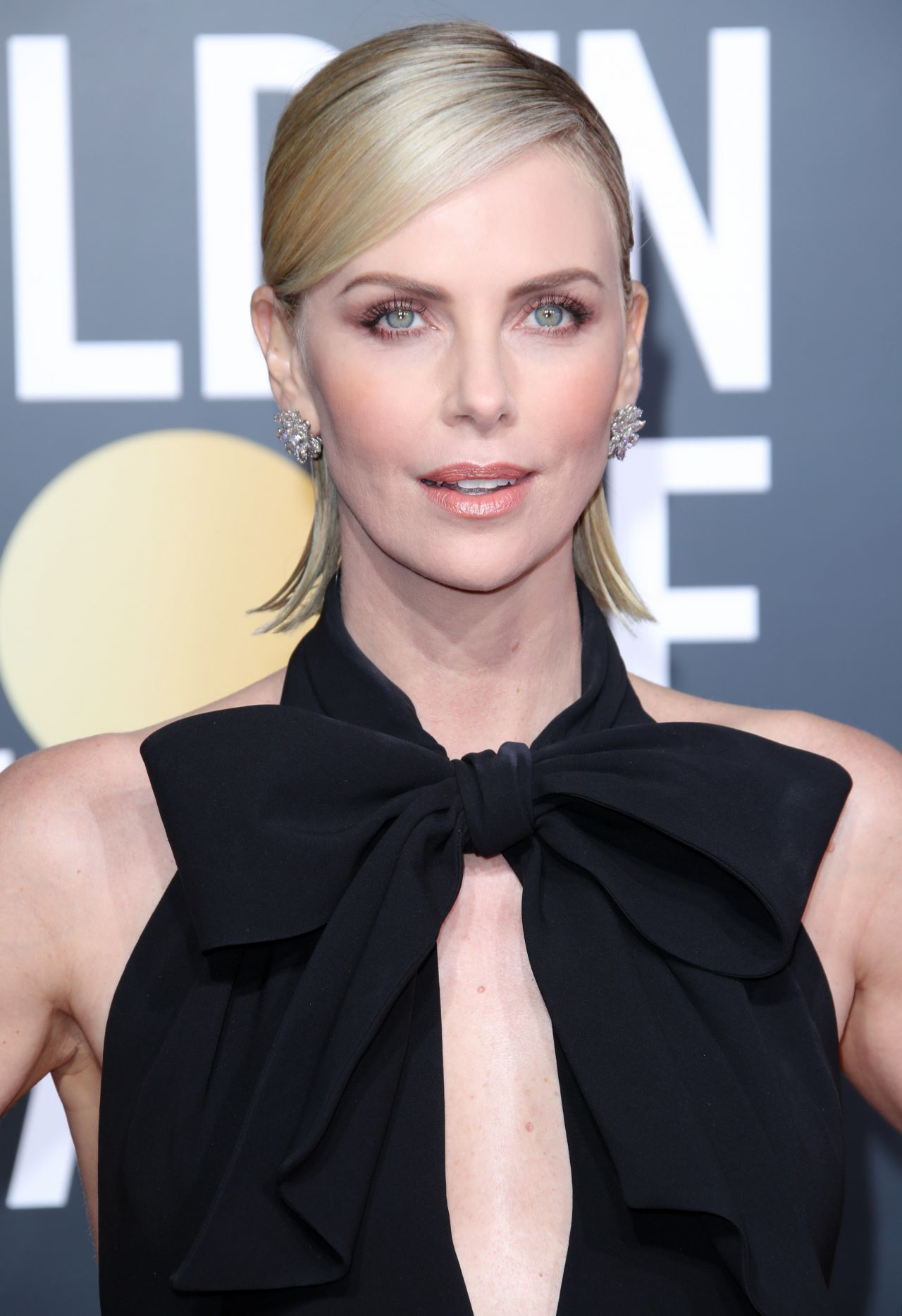 Charlize Theron Golden Globes 2019 (1)