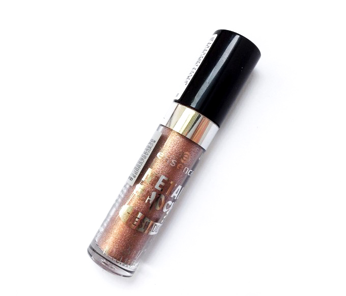 Review-Essence-Moon-Dust-Stars-Stories-Metal-Shock-Eyeshadow-5