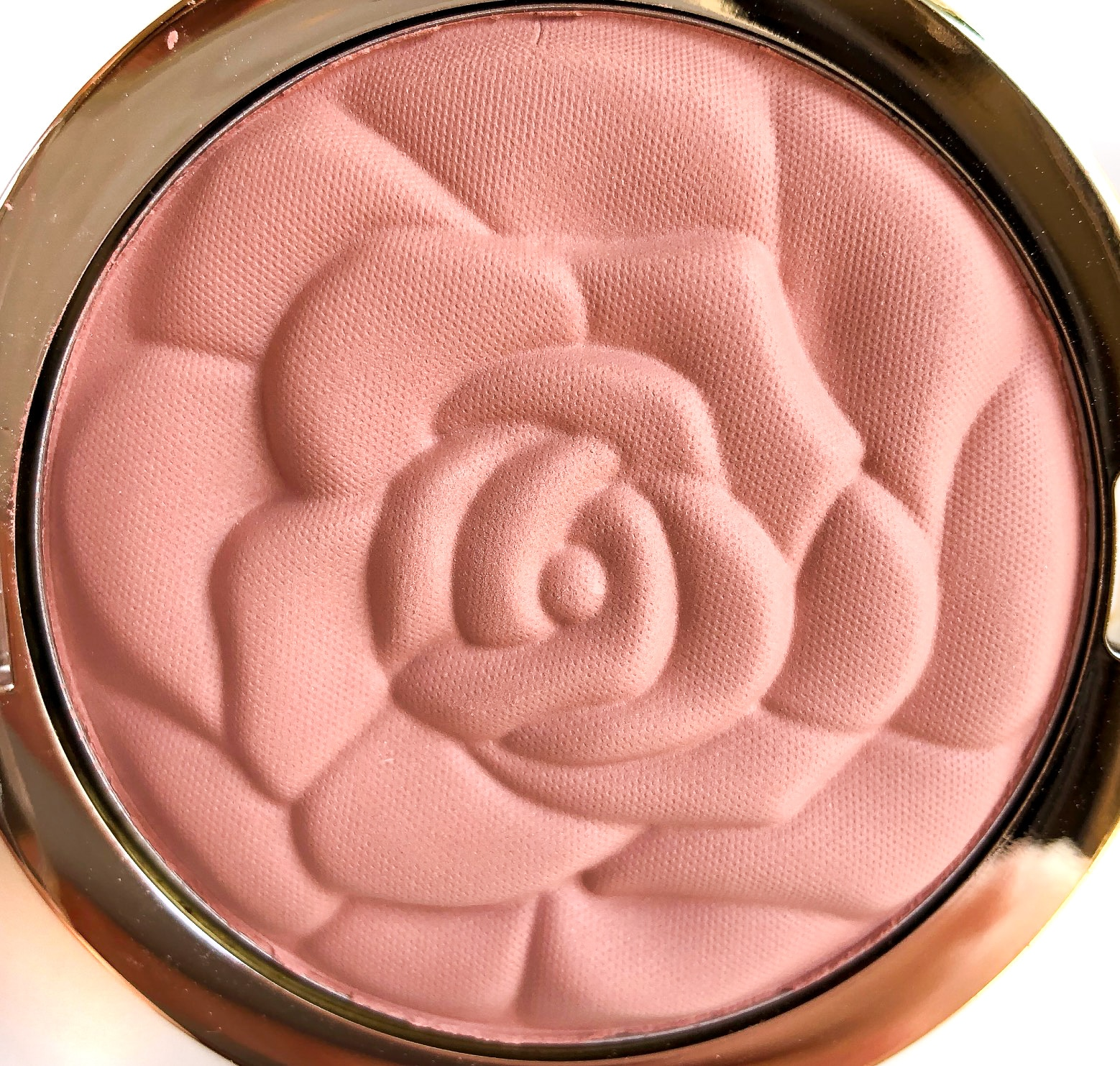 Review Milani Romantic Rose Rose Powder Blush 3