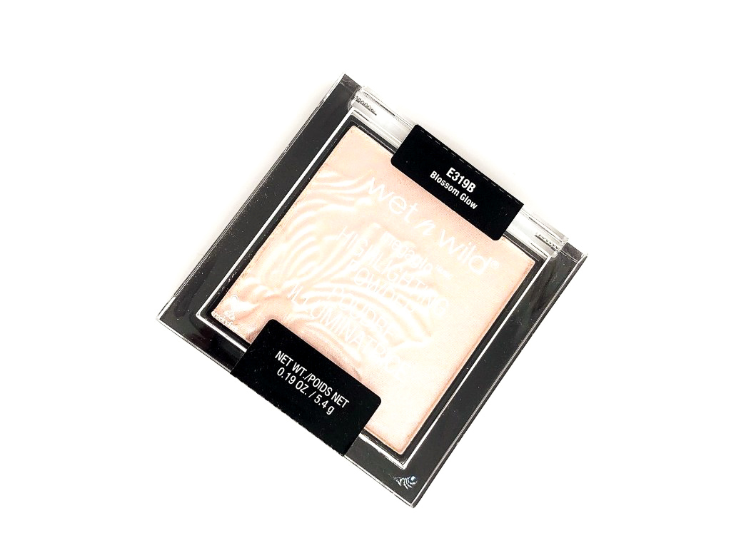 Review-Wet-n-Wild-Blossom-Glow-Megaglow-Highlighter-Powder-1