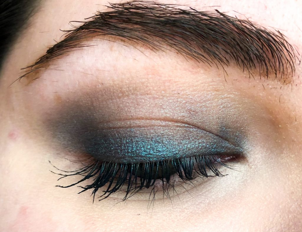 L'Oreal Color Queen Oil Eyeshadow Iconic Swatch