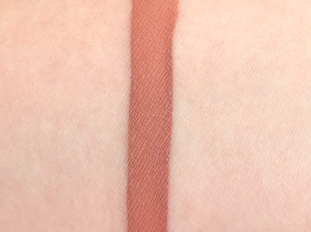 Review-Jeffree-Star-Cosmetics-Celebrity-Skin-Velour-Liquid-Lipstick-10