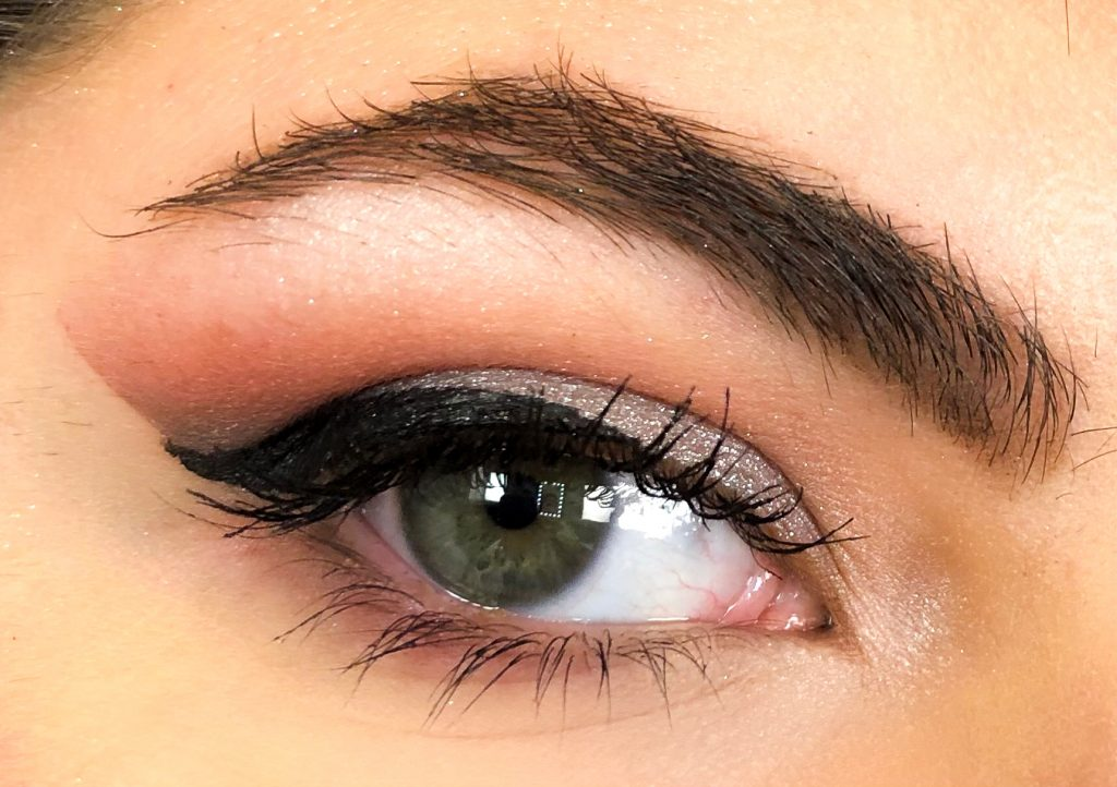 Warm & Grey Smokey Eye