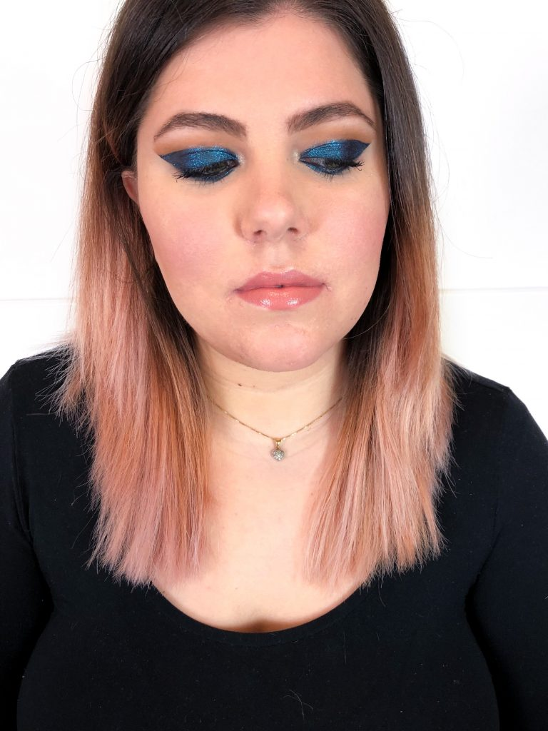 Graphic Blue Look