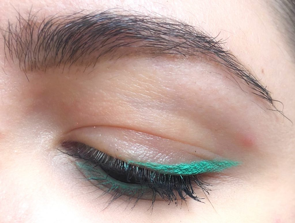 Kiko 09 Mint Lasting Precision Automatic Eyeliner And Khol Review and swatch