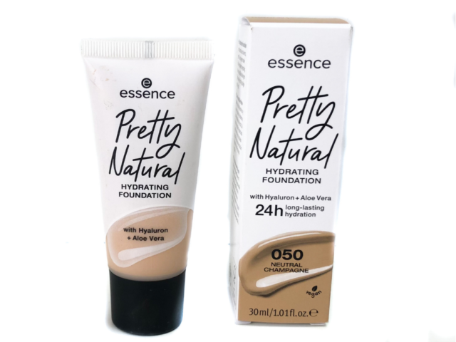 Essence Pretty Natural Hydrating Foundation , Essence Pretty Natural Hydrating Foundation swatches , Essence Pretty Natural Hydrating Foundation review , essence pretty natural hydrating foundation 050 , essence pretty natural foundation , essence pretty natural foundation review , essence , pretty natural foundation , makeup , beauty , review ,