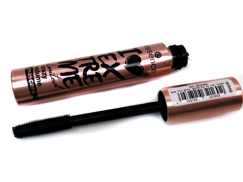 Essence I Love Extreme Limited Crazy Volume Mascara | Review